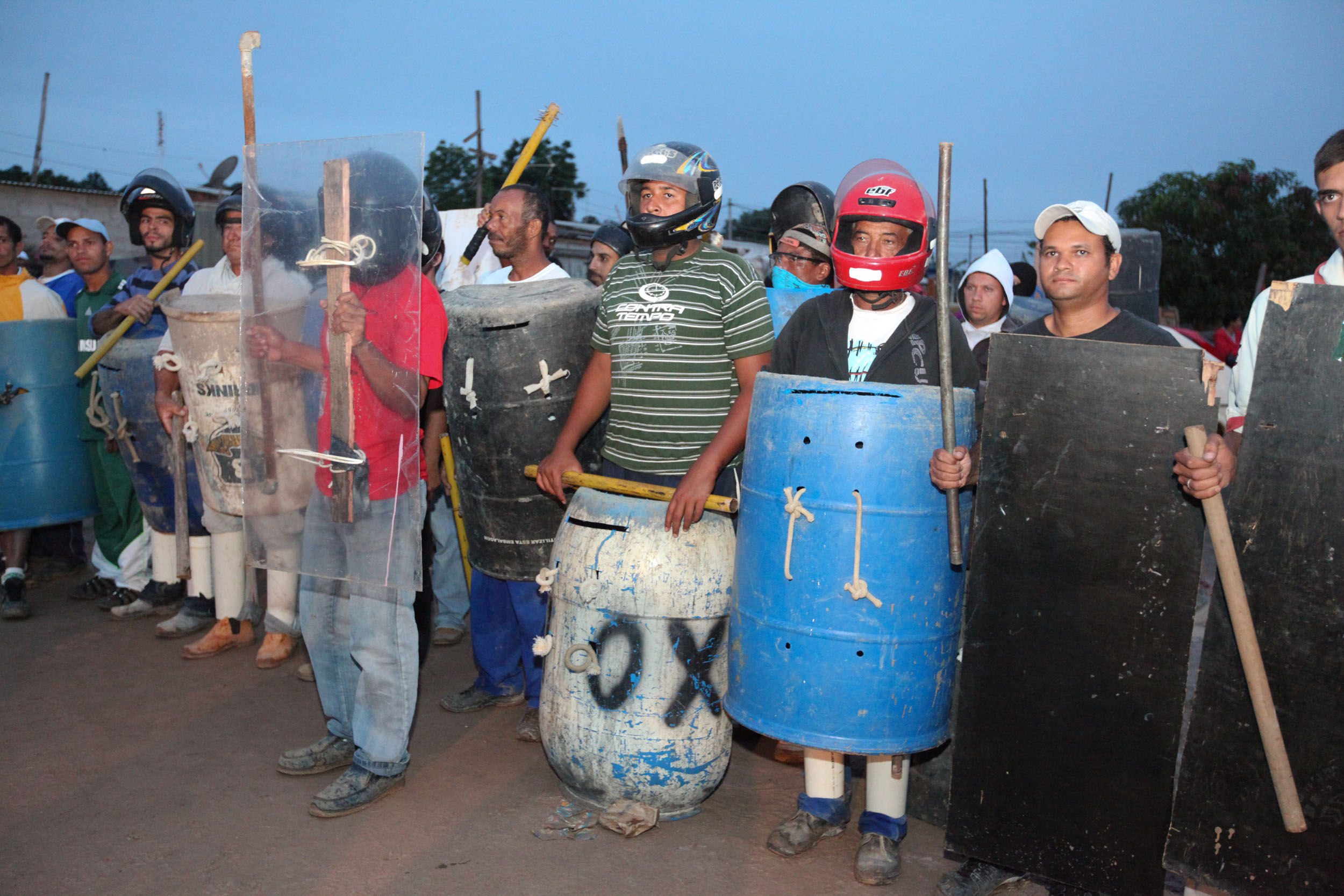 20120111-Pinheirinho-assembleia-para-preparacao-da-resistencia-tanda-melo-128.jpg