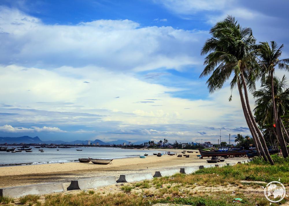 Da Nang Vietnam Beach 3.jpg