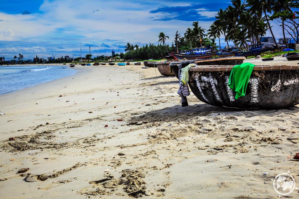 Da Nang Vietnam Beach 2.jpg