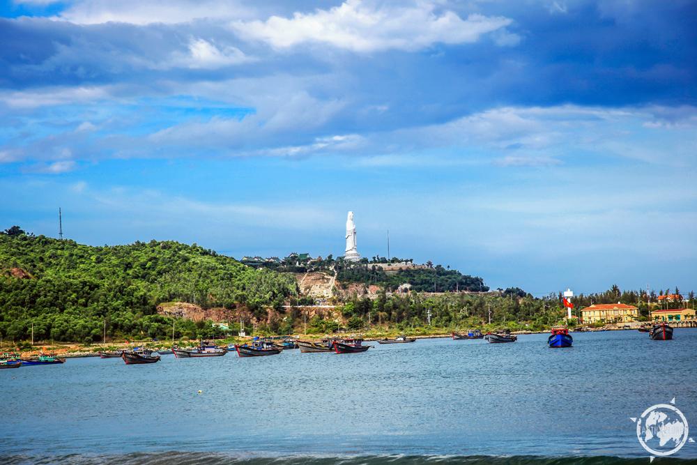 Da Nang Vietnam Beach 5.jpg