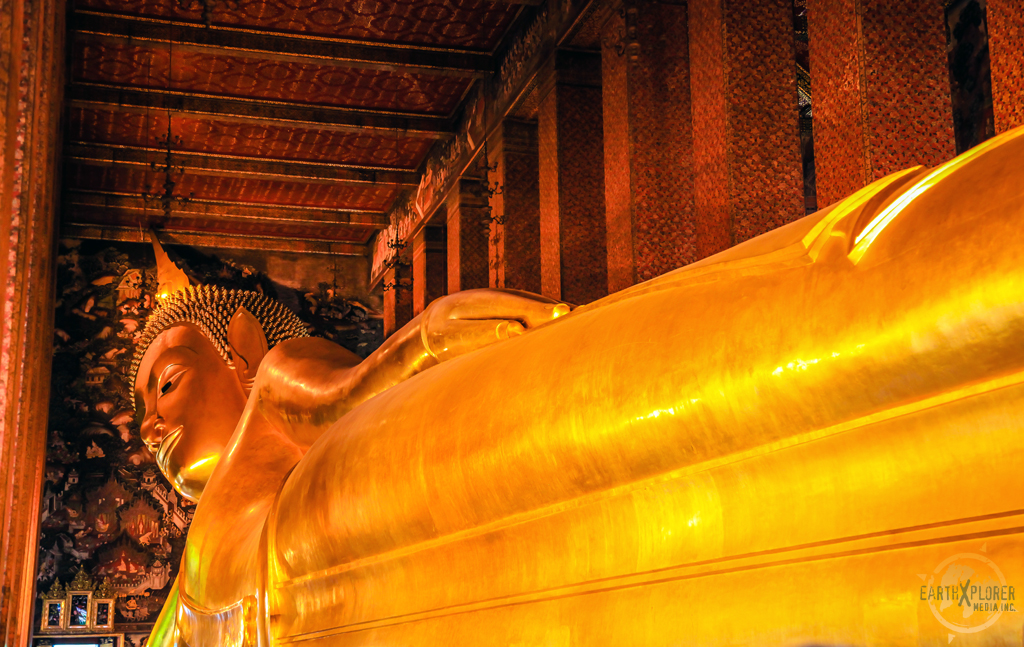 Reclining Buddha Wat Pho Bangkok 8.jpg