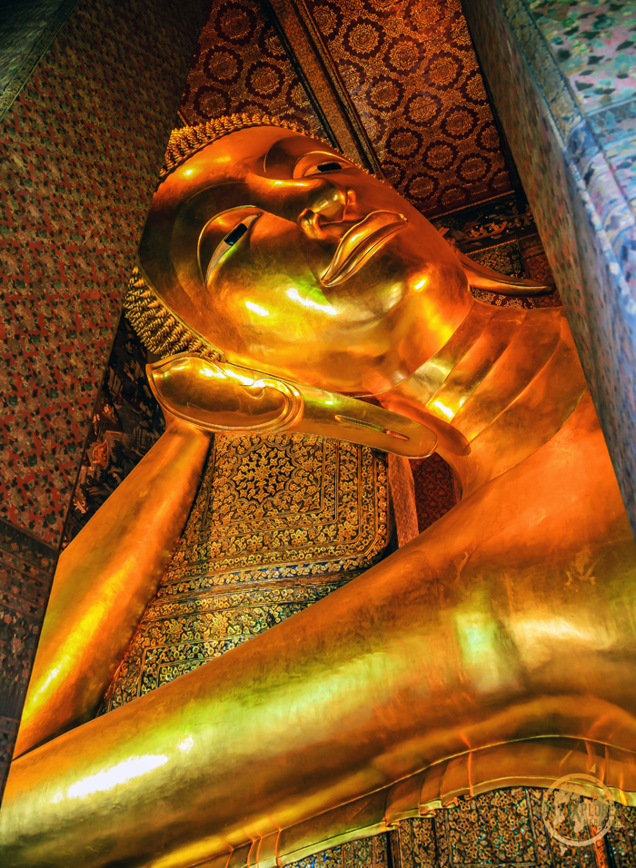Reclining Buddha Wat Pho Bangkok 2.jpg