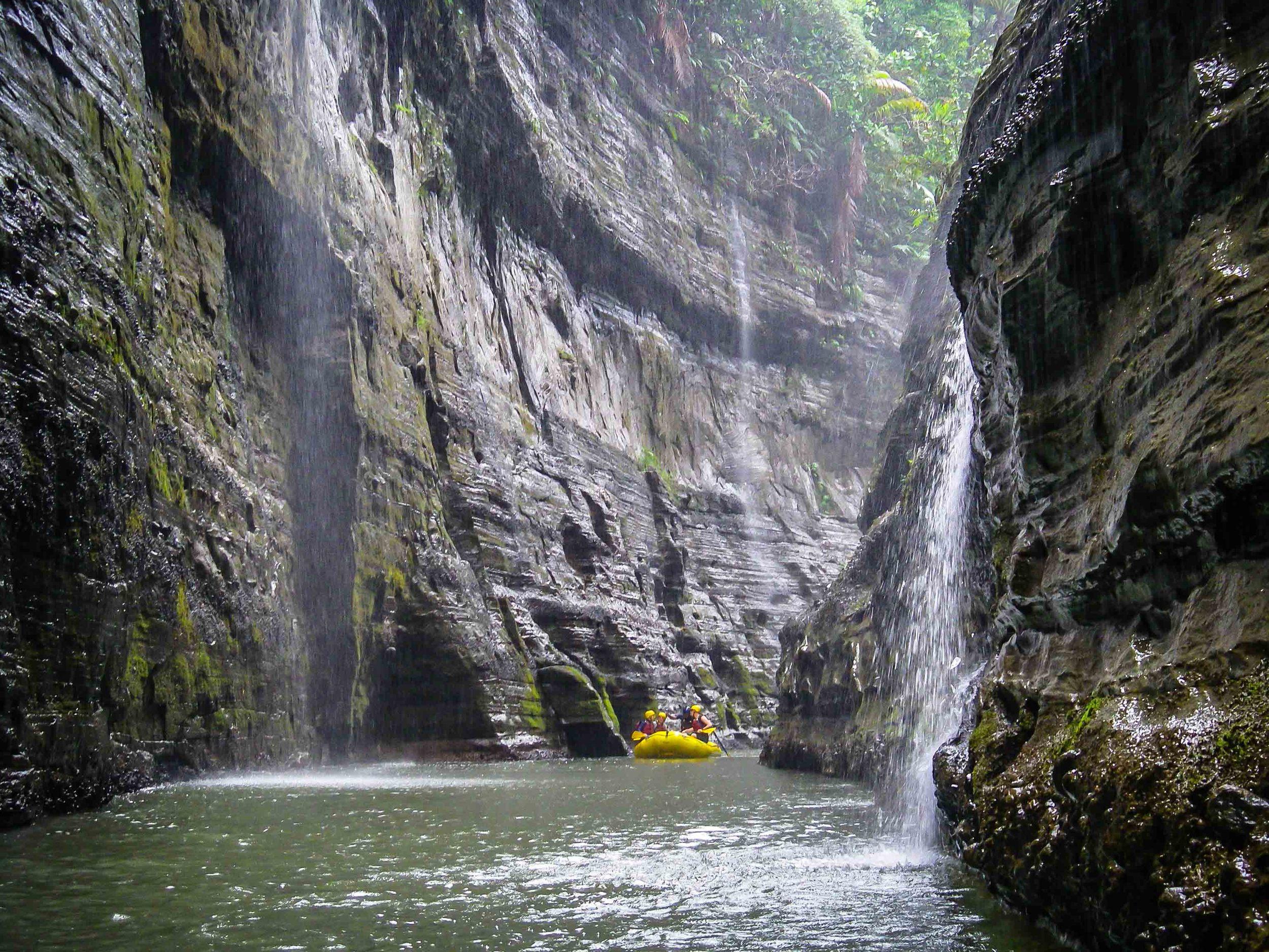 Rafting_Fiji-10.jpg