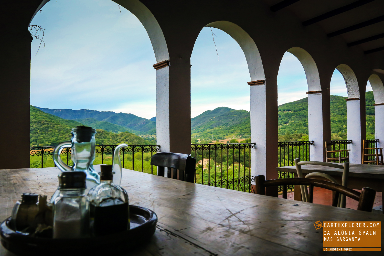 A restored farmhouse located in the heart of La Garrotxa and on the edge of La Garrotxa Volcanic Zone Natural Park.