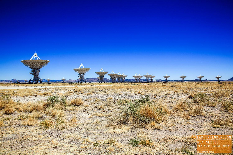 27 radio antennas in a Y-shaped configuration