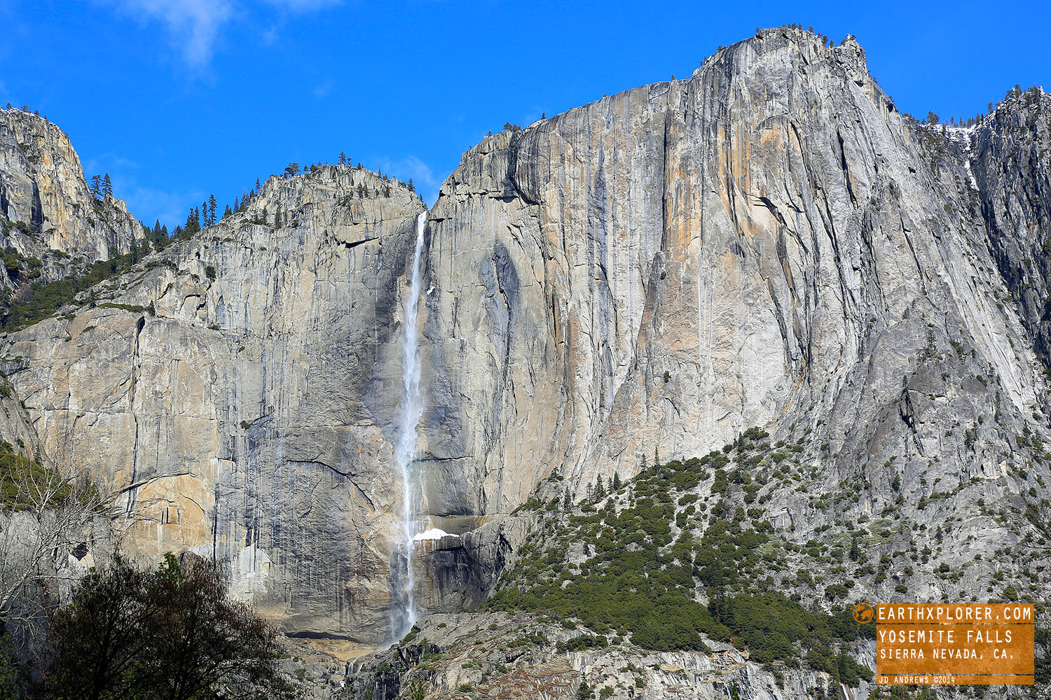 Yosemite Falls is one of the world's tallest waterfalls(2,425 ft)