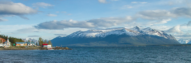 Atlin, British Columbia, Canon 7D with Canon EF 28-300mm @ 28mm (cropped), 1/2000s @ f/8, ISO 1600