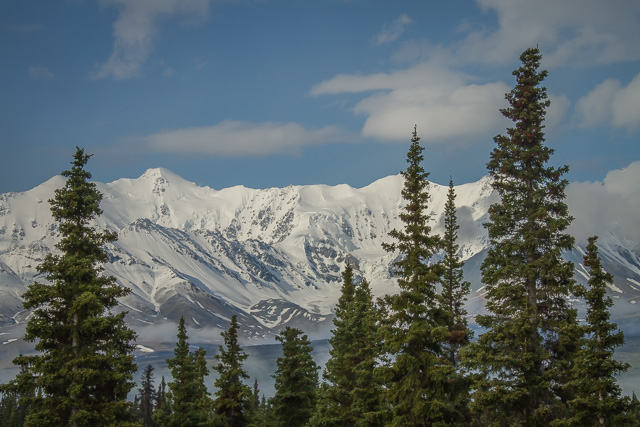 Alaska Highway, Yukon, Canon 7D with Canon EF 28-300mm @ 85mm, 1/250s @ f/16, ISO 100