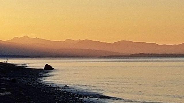 The sun will come out tommorrow on Qualicum Beach. . . . . #VancouverIsland #BritishColumbia #Canada #PacificNorthWest #PNW #PNWCollective #ExploreBC #HikingBC #LeftCoast #WetCoast #ExploreMore #TheGreatOutdoors #WildernessCulture #PNWwonderland #TheNWadventure #TravelBC #NorthWestisBest #BestofBC #CanadaTheNorth #ArtofVisual #StayPNW #StayandWander #MyPQB #QualicumBeachVIC #QualicumBeach