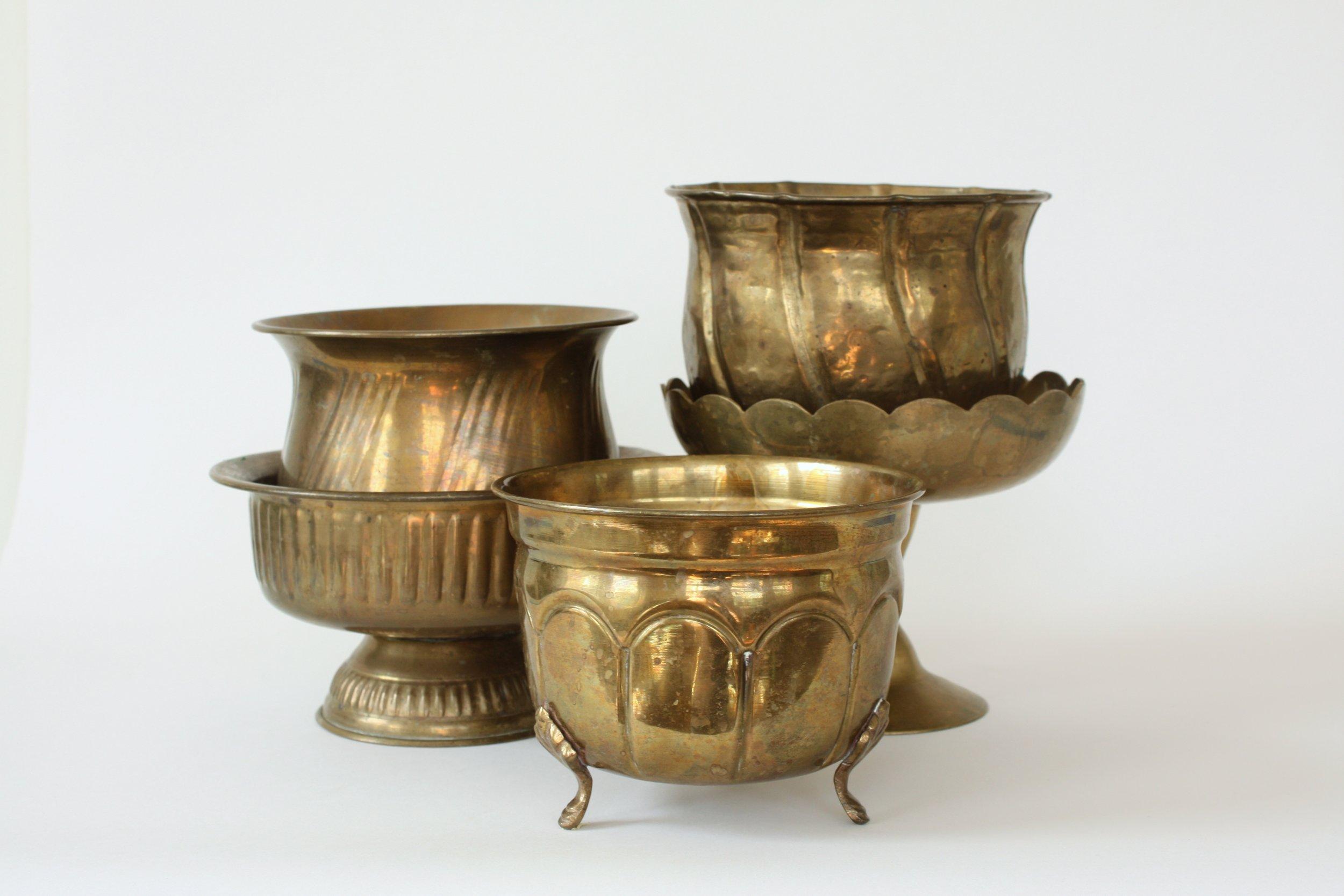 "208. mixed brass vessels | 5-7"" | 25"