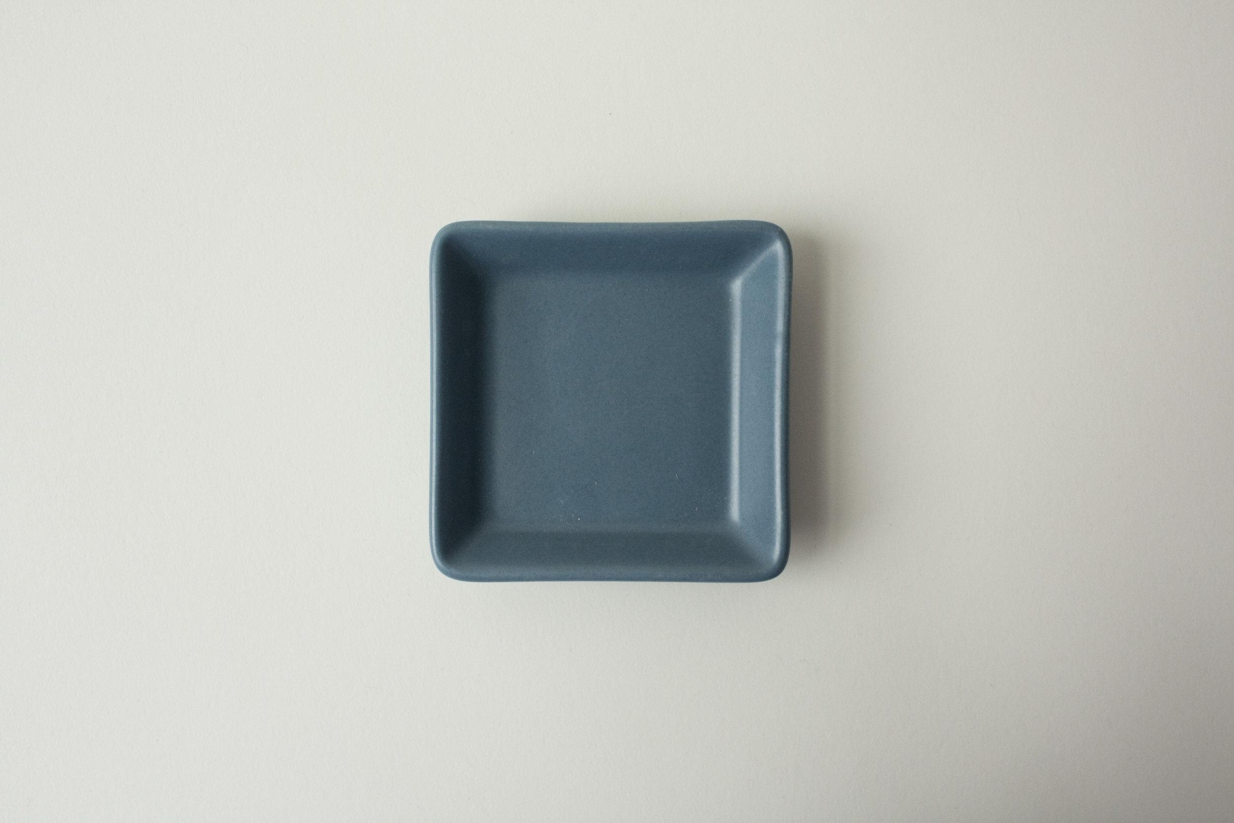 "664. square dish | 2.75"""