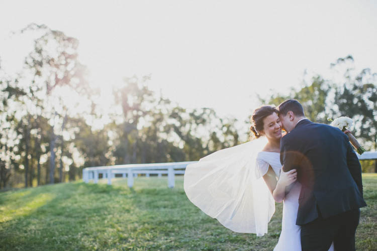 Rose_Photos_wandin_valley_estate_wedding041.jpg