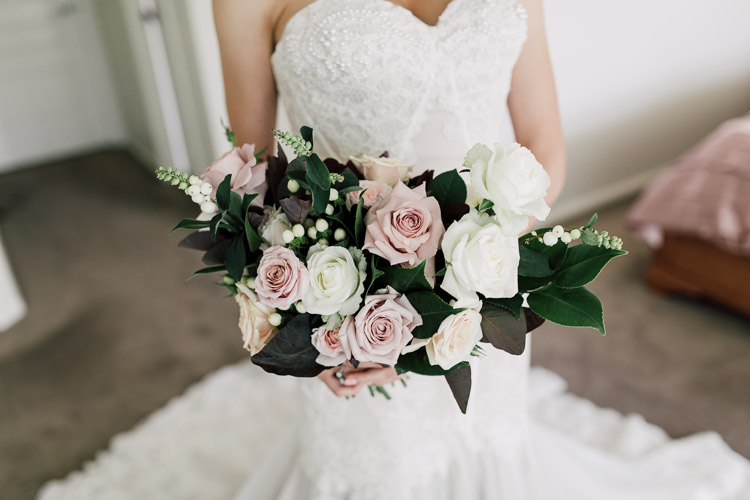 Deckhouse_woolwich_wedding_rose_photos_023.jpg