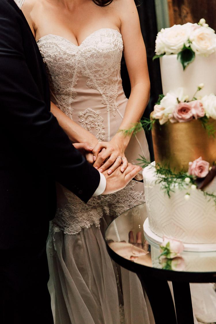Deckhouse_woolwich_wedding_rose_photos_064.jpg