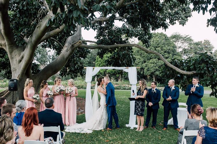 The_pavilion_botanical_gardens_sydney_wedding_photographer_026.jpg