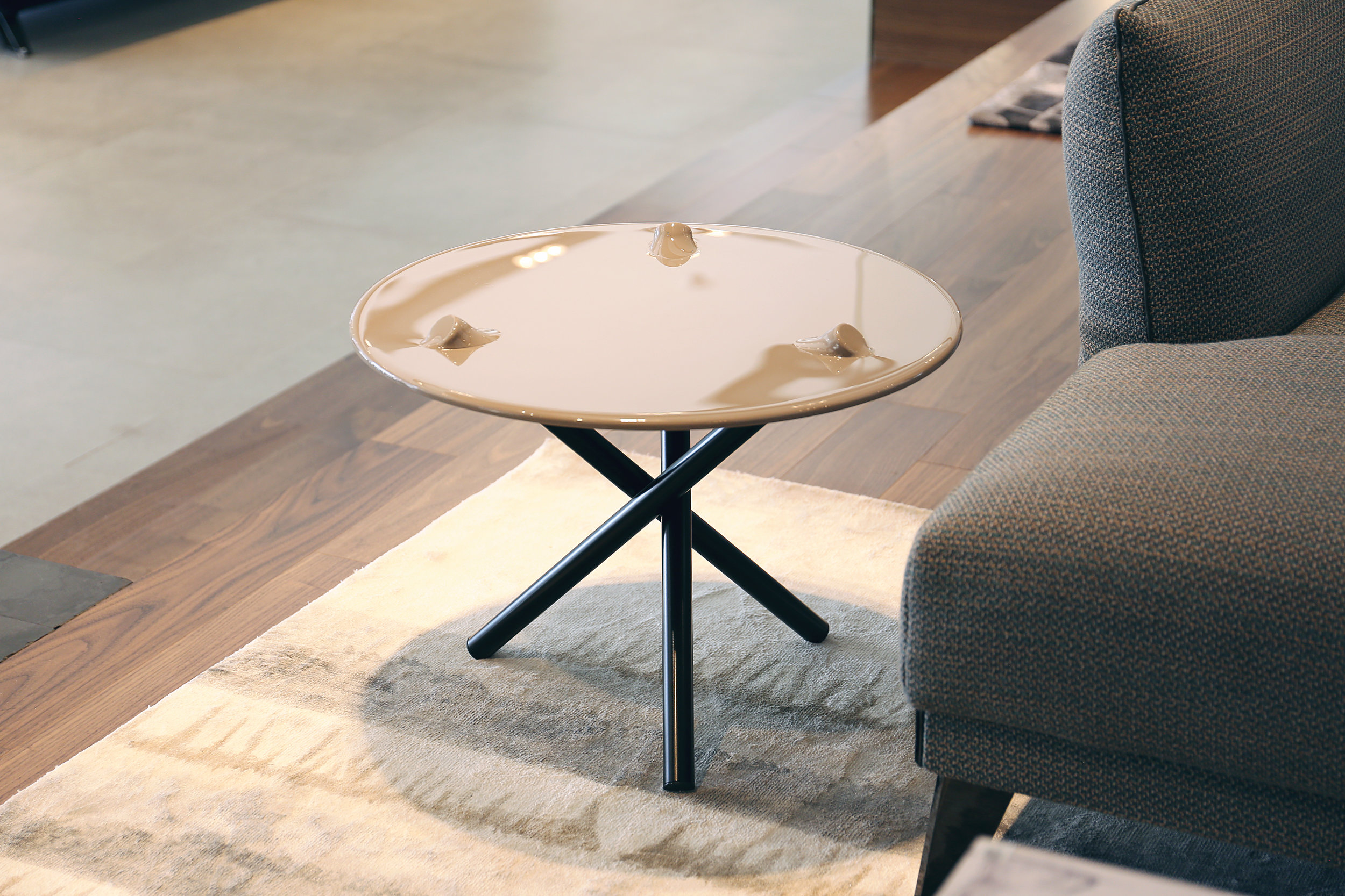 PUSH side table