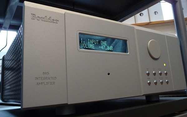 This is the Boulder 865 Integrated, a $12,000 amplifier, but that is not necessarily a very high price for an amplifier in the Hi-Fi industry. Photo courtesy of Flikr user  Fred von Lohmann .