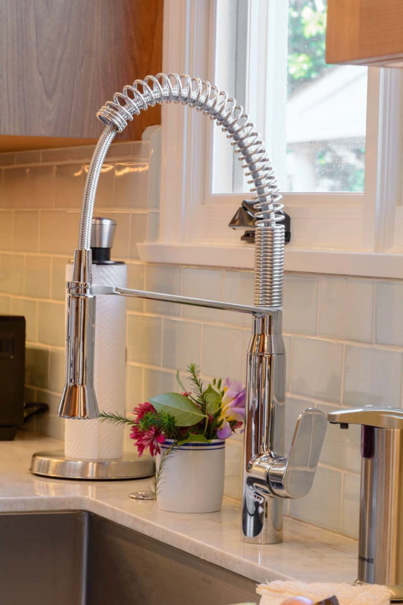 Elegant Kitchen Faucet
