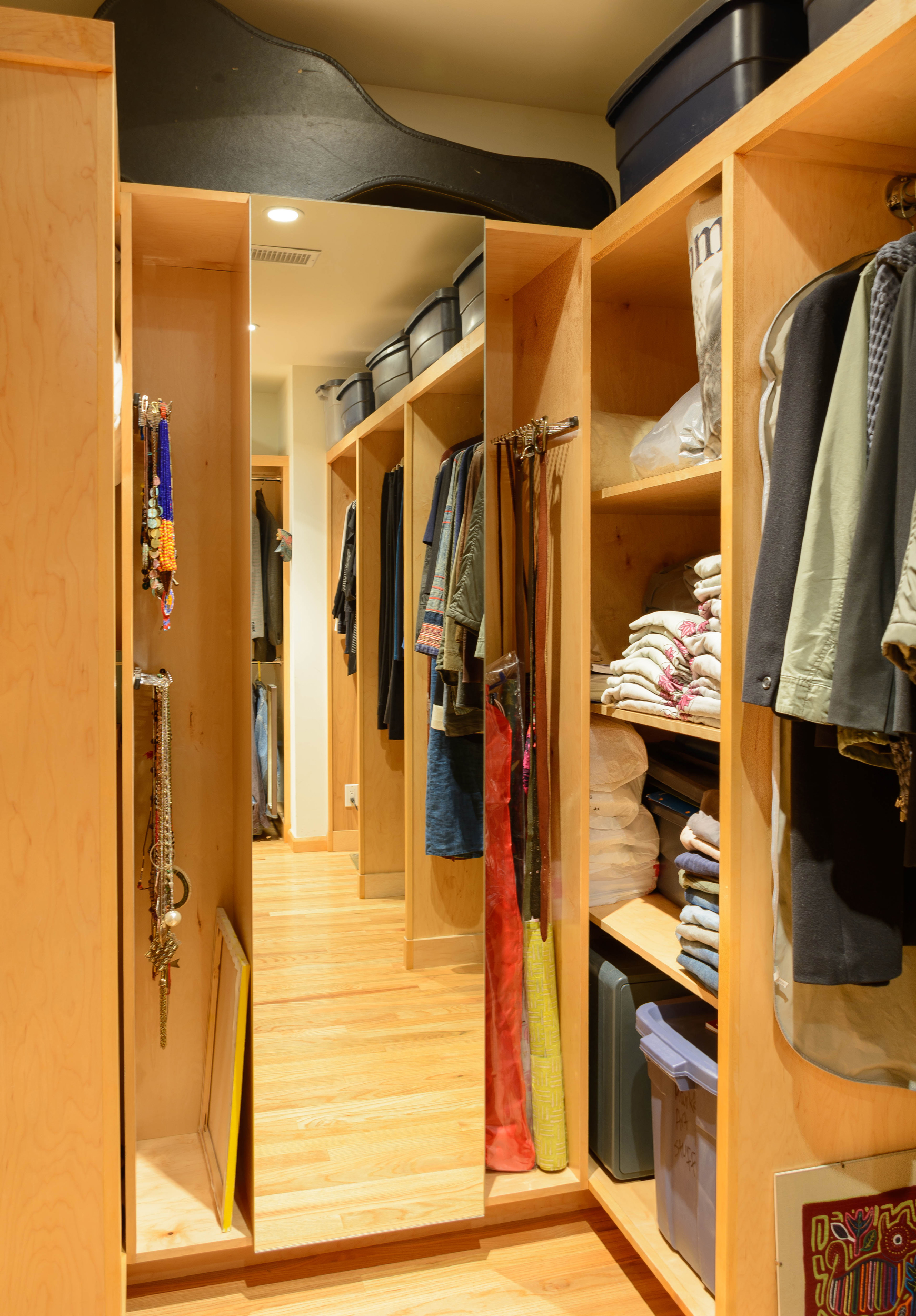 Ample space for hanging clothes as well as folded