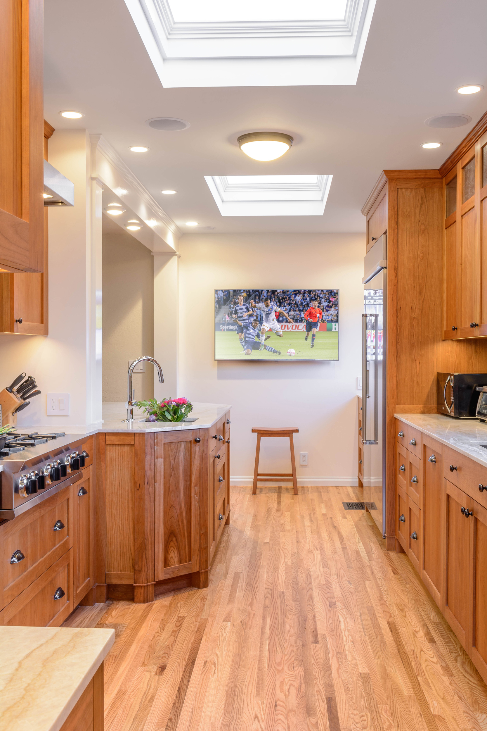 TV in a galley kitchen: the perfect spot