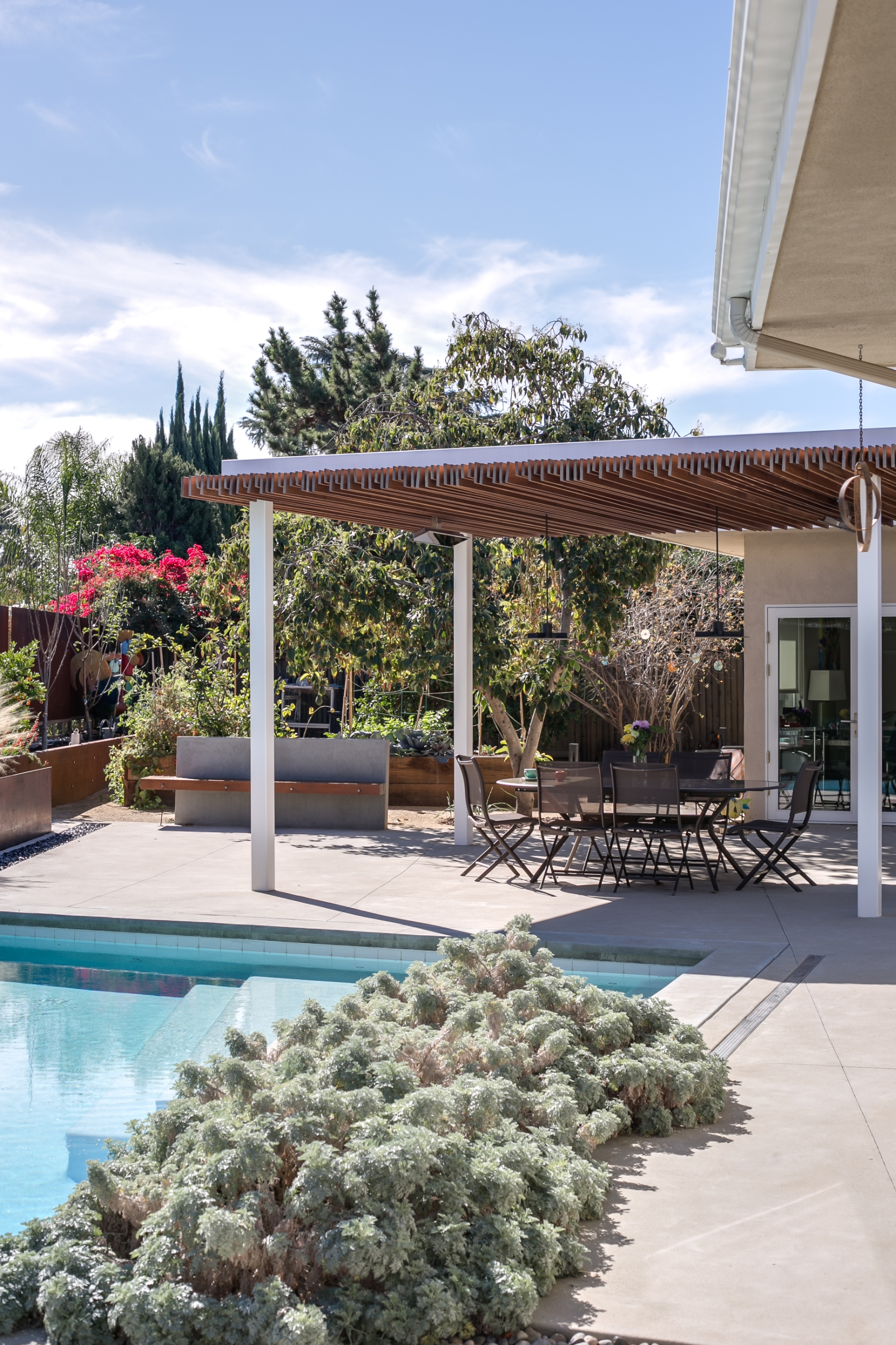 Mid Century Modern Exterior And Landscape Design Build