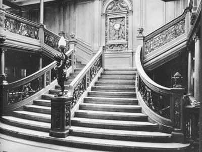Titanic-Grand-Staircase-400-x-300.jpg