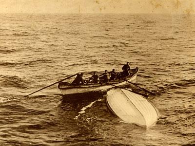 Titanic-Lifeboat-400-x-300.jpg