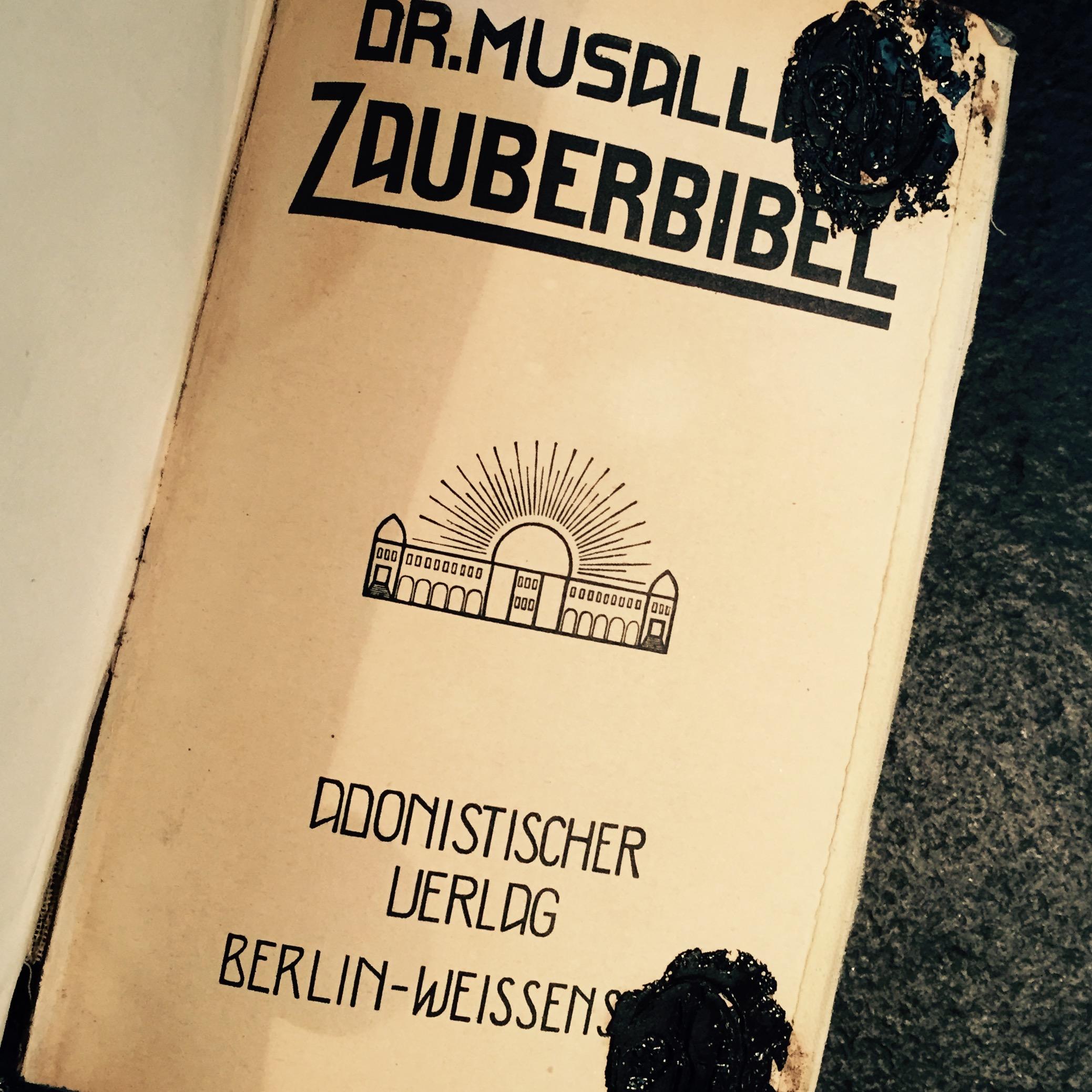 Dr.Musallam, Zauberbibel