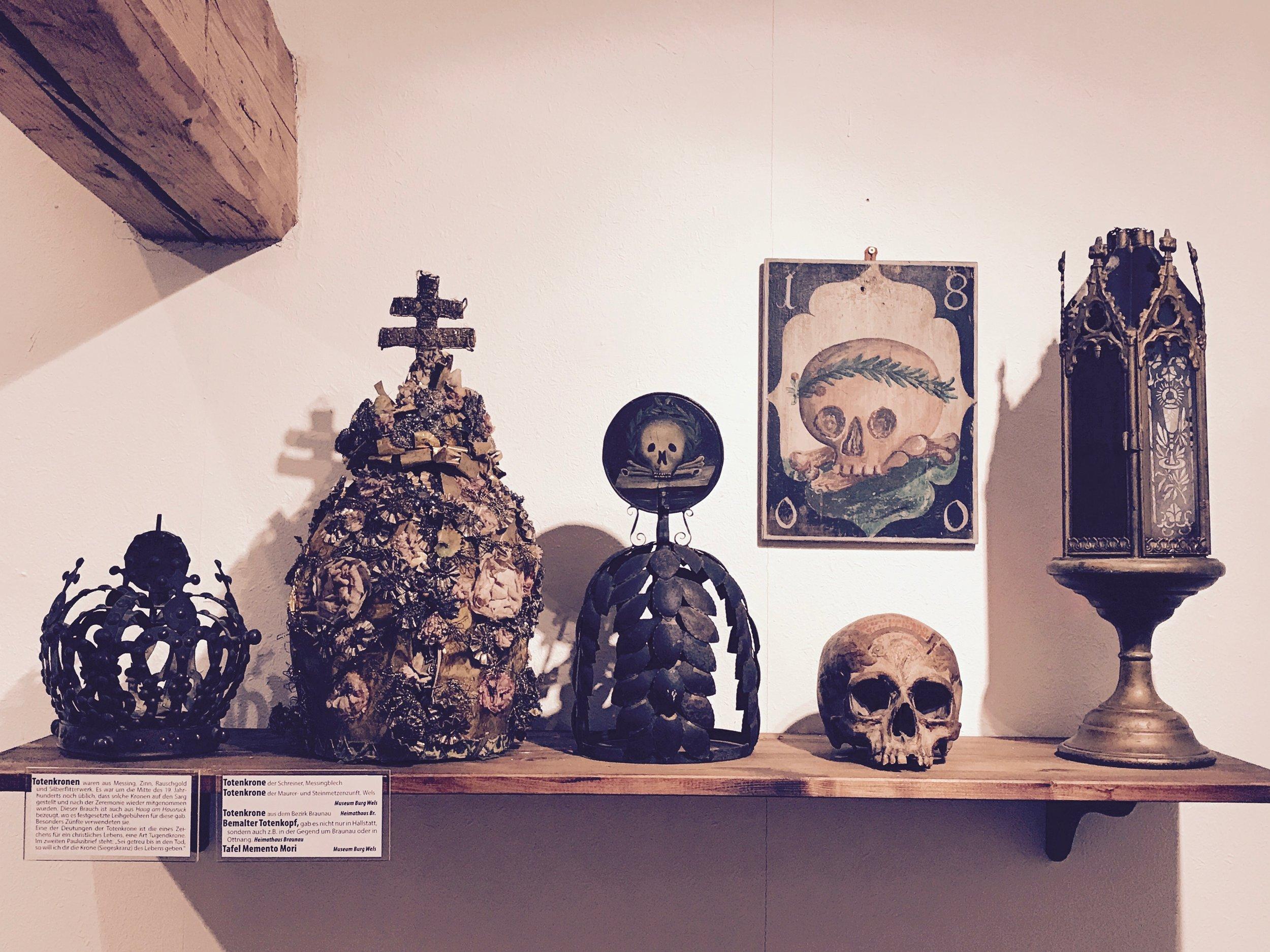 assorted folk-magical death paraphernalia