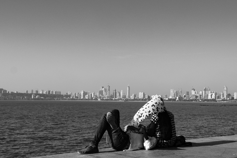 Lovebirds at Marine Drive getting close take two