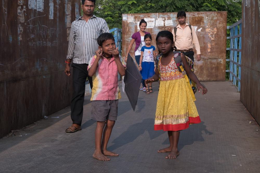 201701141615DSCF1214-Flaneur  -Mumbai - kite - flying - street photography.jpg