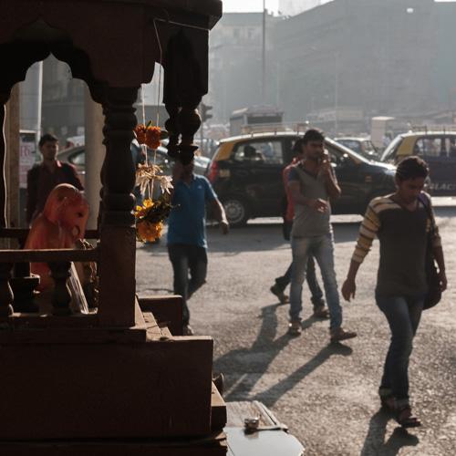 201701220908DSCF4582-Flaneur  -Mumbai - people - street Photography - streethype.jpg