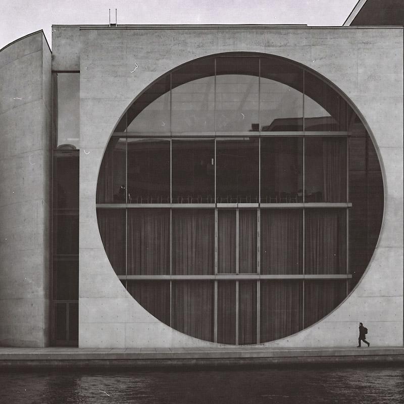 "Human and architecture - the ""Washing Machine"""
