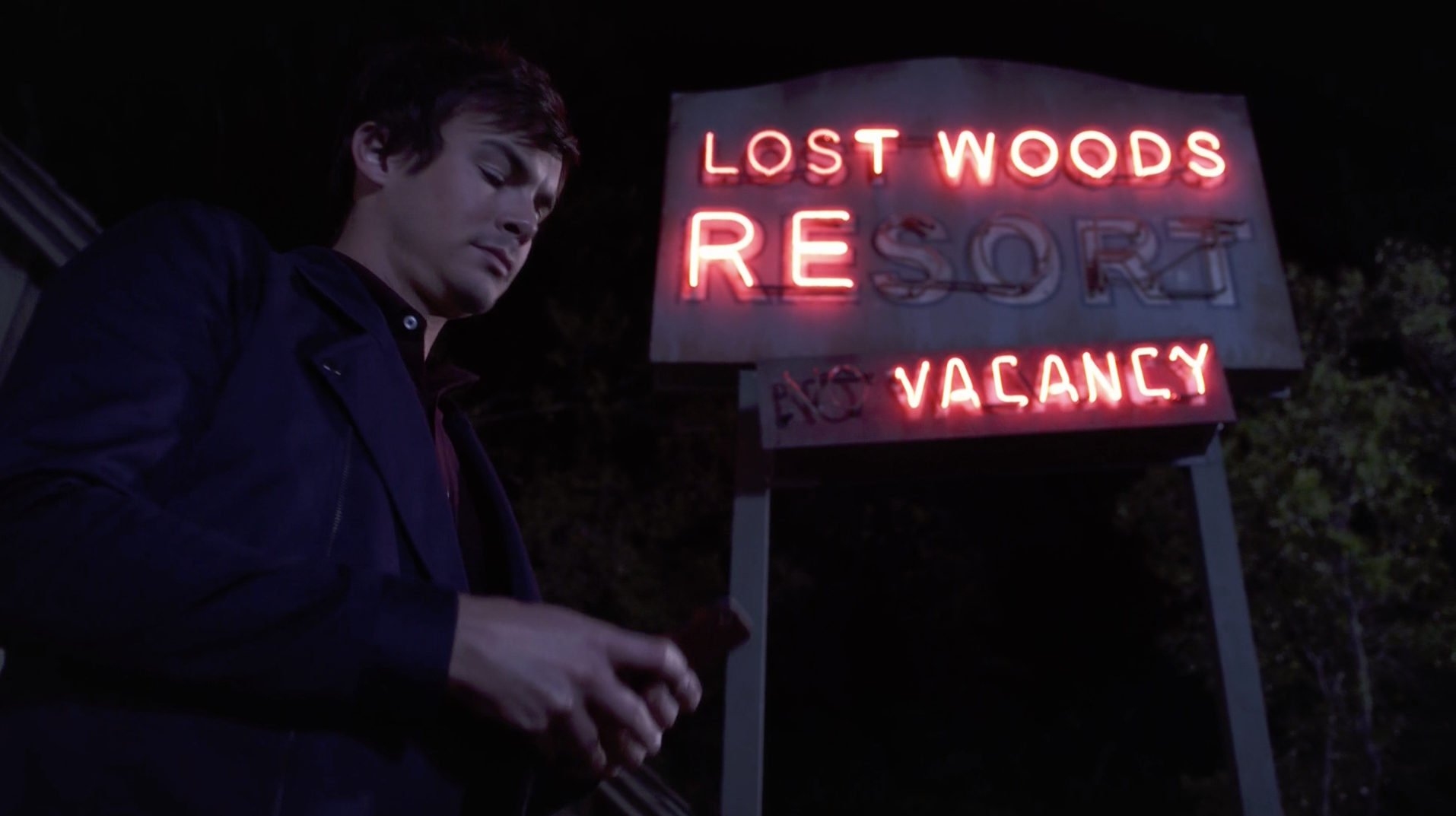 Near the end of s07e01. Caleb's been in these same clothes, commando, for nearly 2 days now.