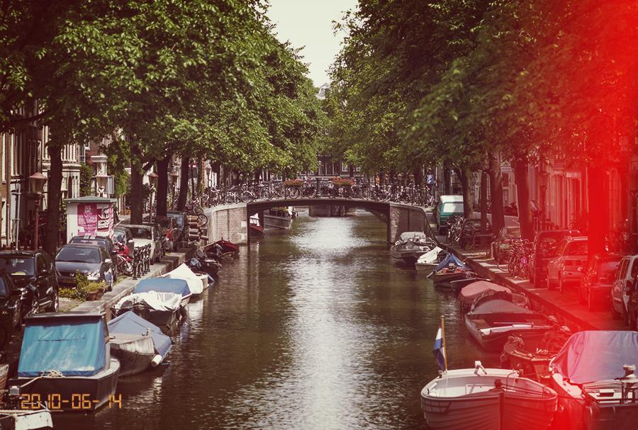 תעלה באמסטרדם - Date Stamp