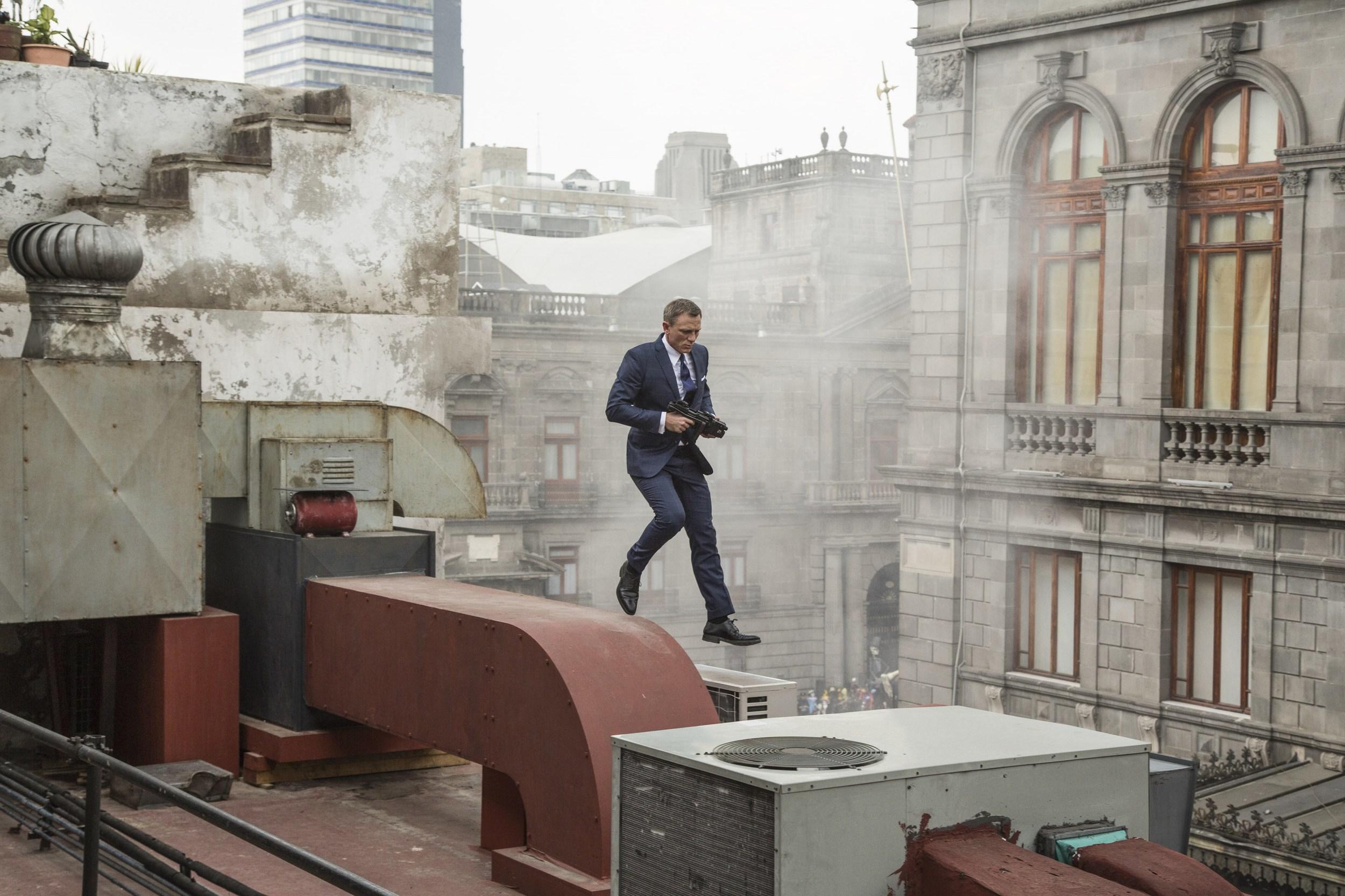 Spectre James Bond 1.jpg