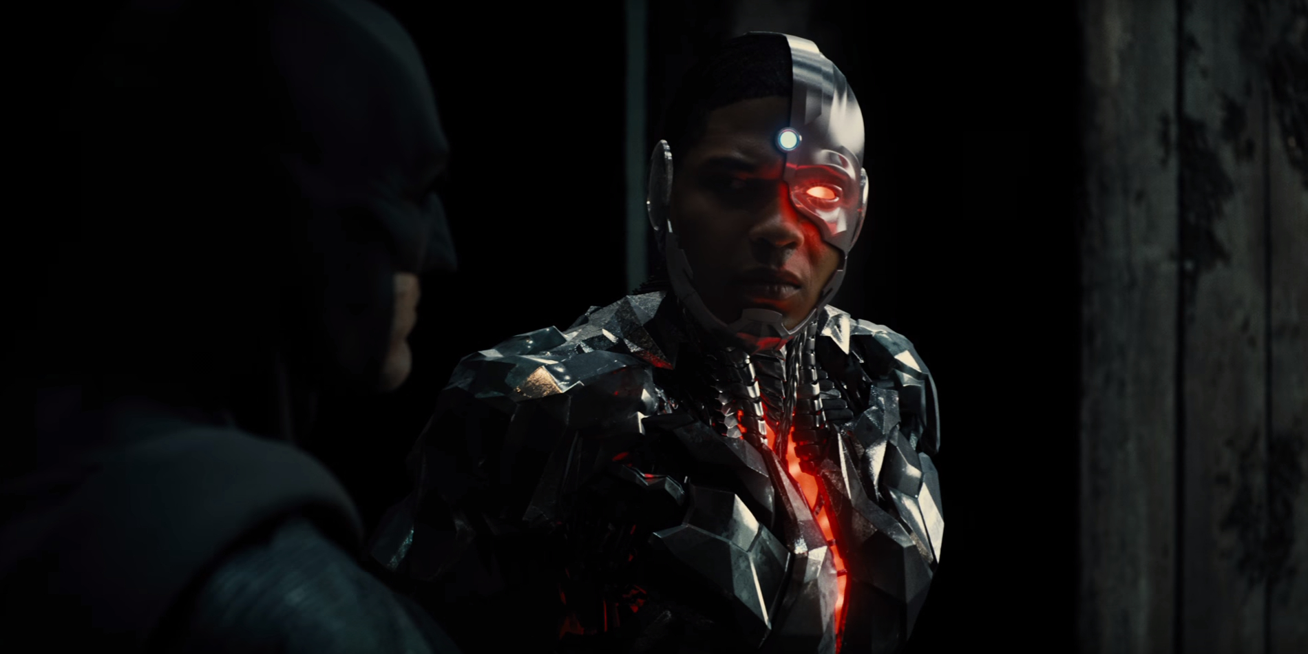 Cyborg-and-Batman-in-the-Justice-League-trailer.jpg