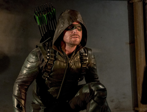 arrow-season-6-photos-102.jpg