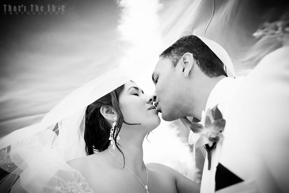 Melbourne Wedding Photographer www.ThatsTheShot.com.au That's The Shot×