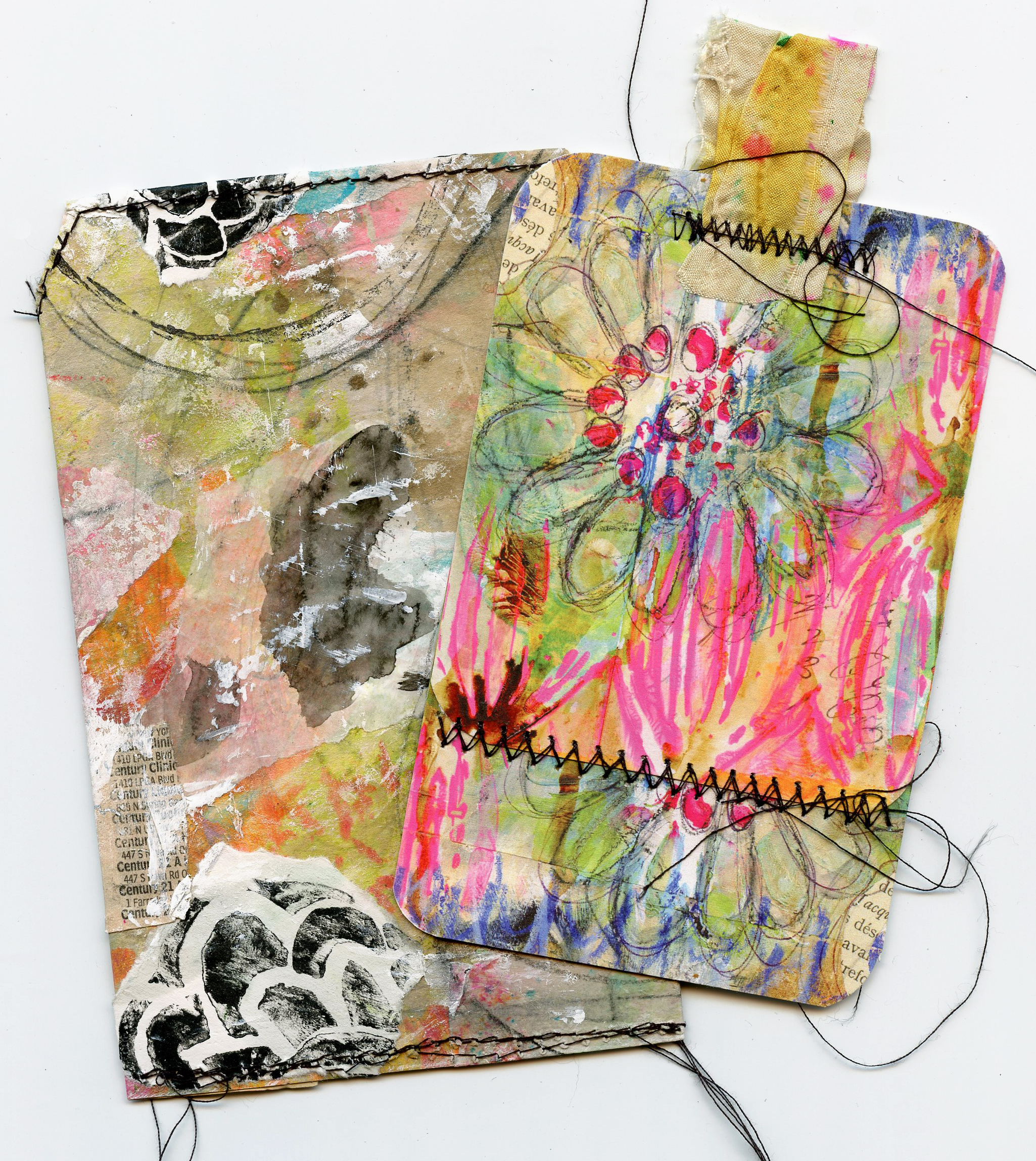 @robenmarie Join Roben-Marie Smith as she transforms paper into a cute art pocket in this free video tutorial. This project is perfect to send in place of a card or insert a gift card and give to someone special. #diy #mixedmedia #robenmarie #artpops #collaged