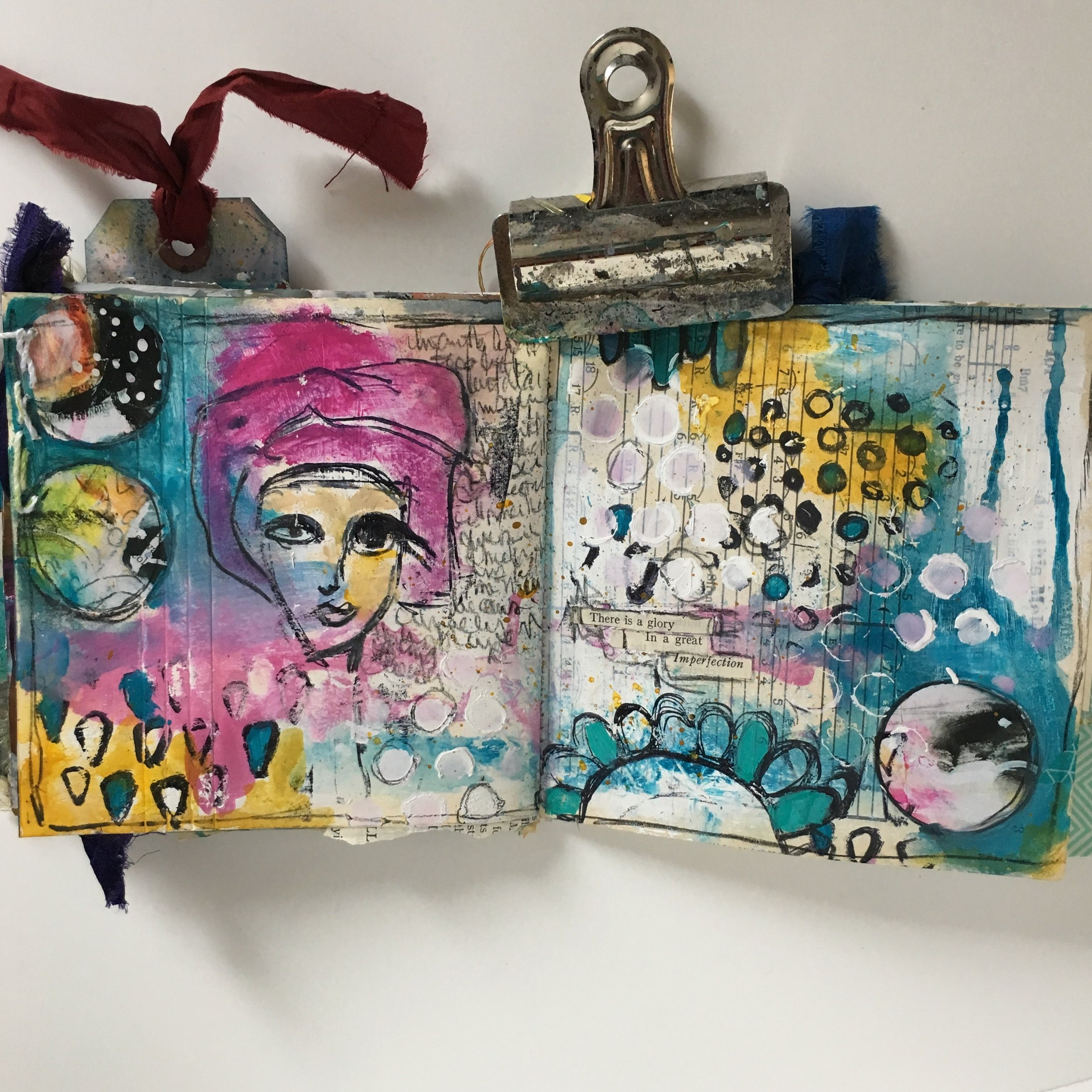 Design Team member Jenni Zmuda is sharing with us how she made her her quirky file folder art journal. Follow along with her video tutorial as she creates this beautiful and unique art journal. She uses Art Pops™ and Paperbag Studio Stamps to create this gorgeous piece of Art! @robenmarie @jennizmuda #robenmarie #robenmariedesignteam #paperbagstudios #artpops #mixedmedia #diy