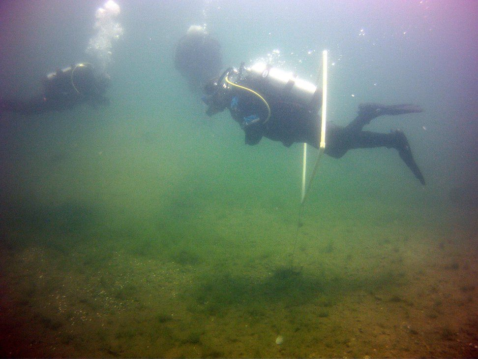 Lee working his buoyancy