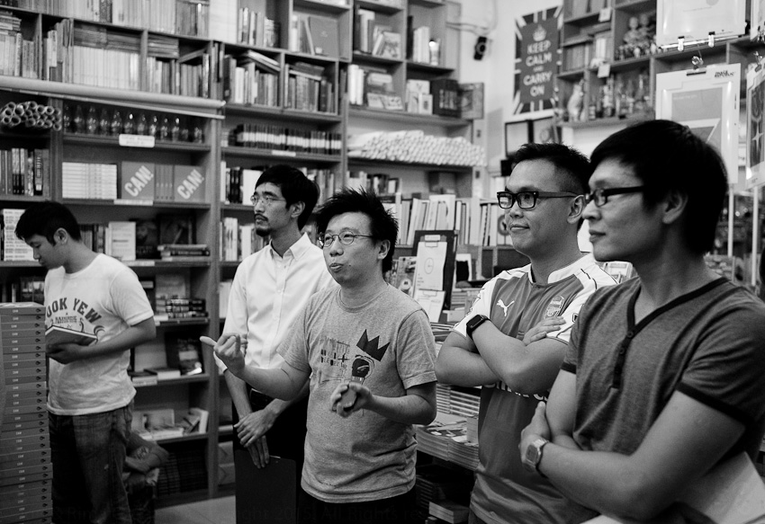 Kenny Leck introducing The Sixes with Joshua Ip, David Wong & Hao Guang