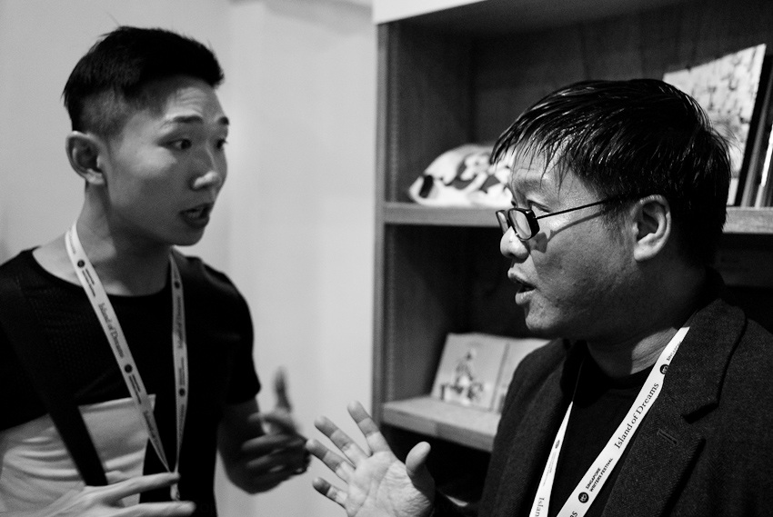 Jerrold Yam & Desmond Kon in conversation ... something about conceptual poetry (the prose writer's eyes glazed over)