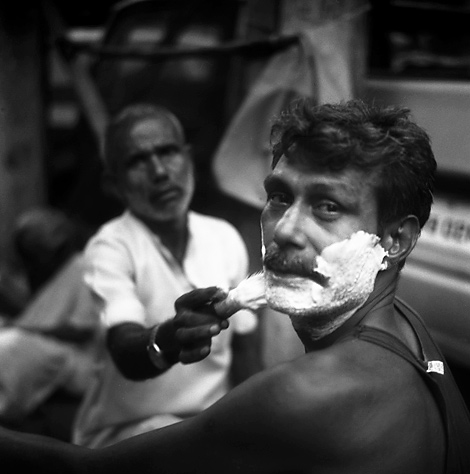 Bloke Shaving, Kolkata, India, Rolleiflex 2004