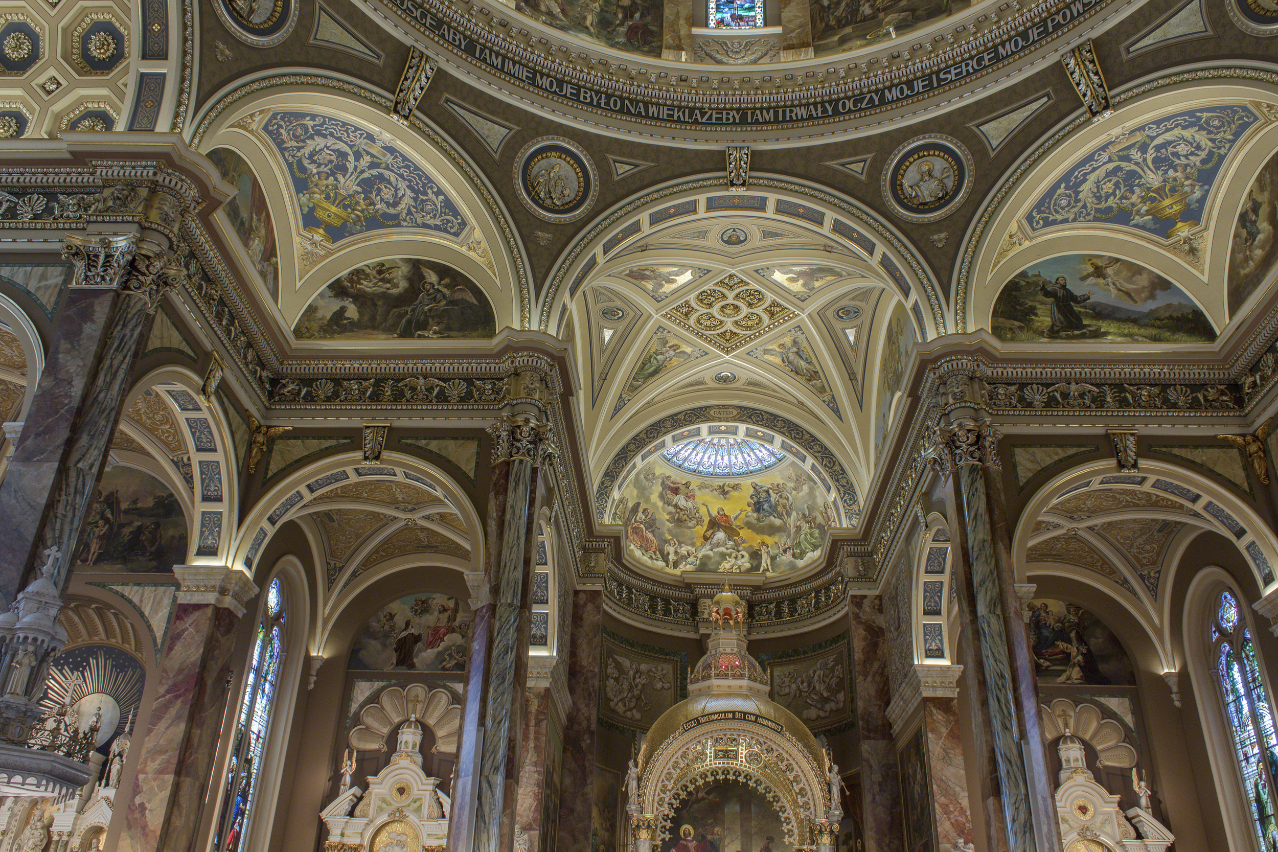 Milwaukee_Basilica-26.jpg