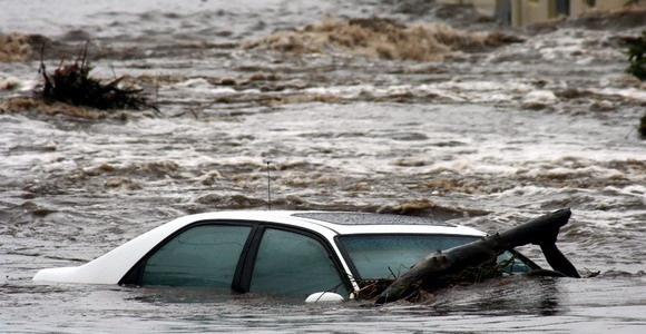 floodedcar.jpg