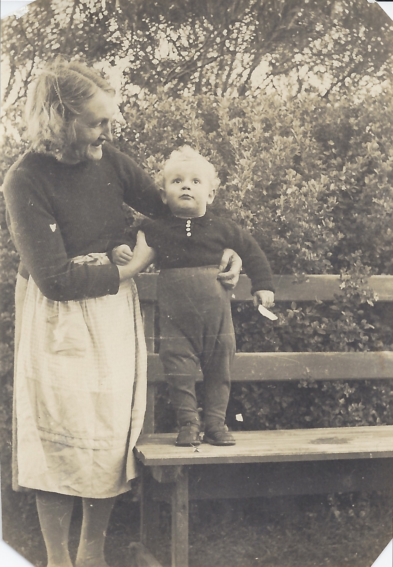 Florence Anderson (nee Britton) with Bob Anderson