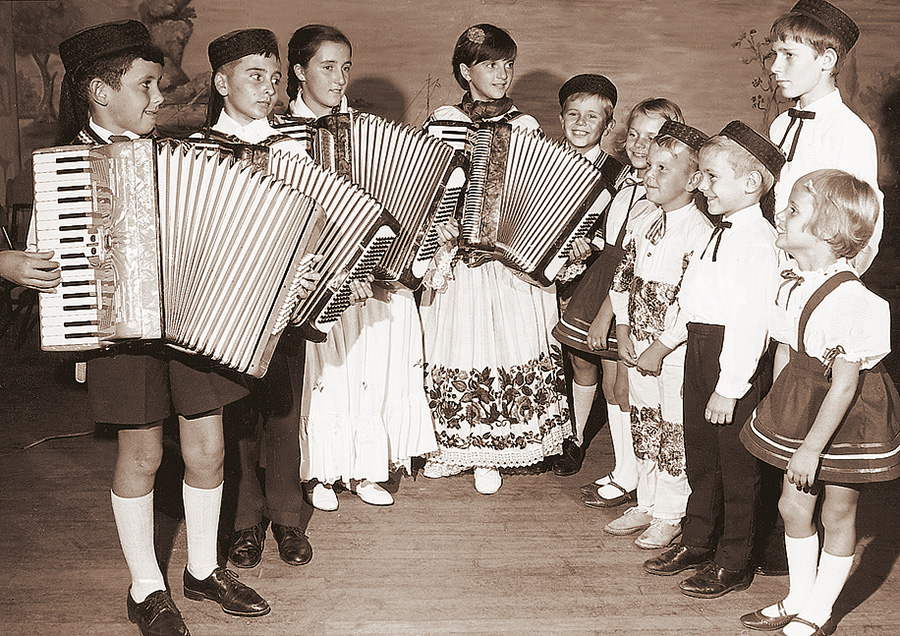 croatian-accordian-children.jpg
