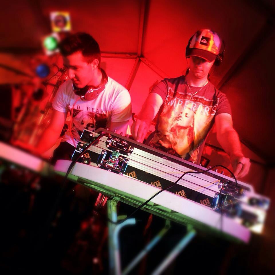 Festa2012_DJBlazzDJTravvyGee.jpg